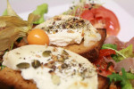 <b>Salade de chèvre chaud</b> <br />
